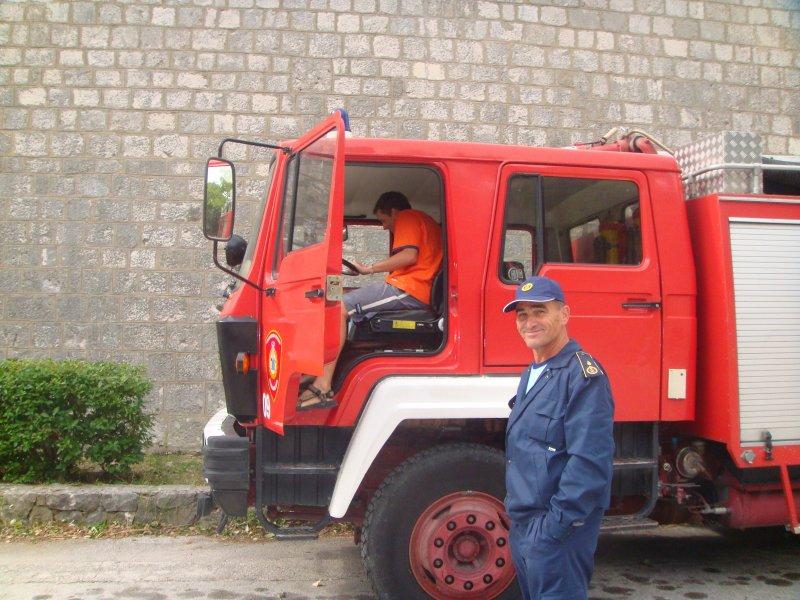 Já, udatný Vatrograsci a vozidlo JVP (HZS)