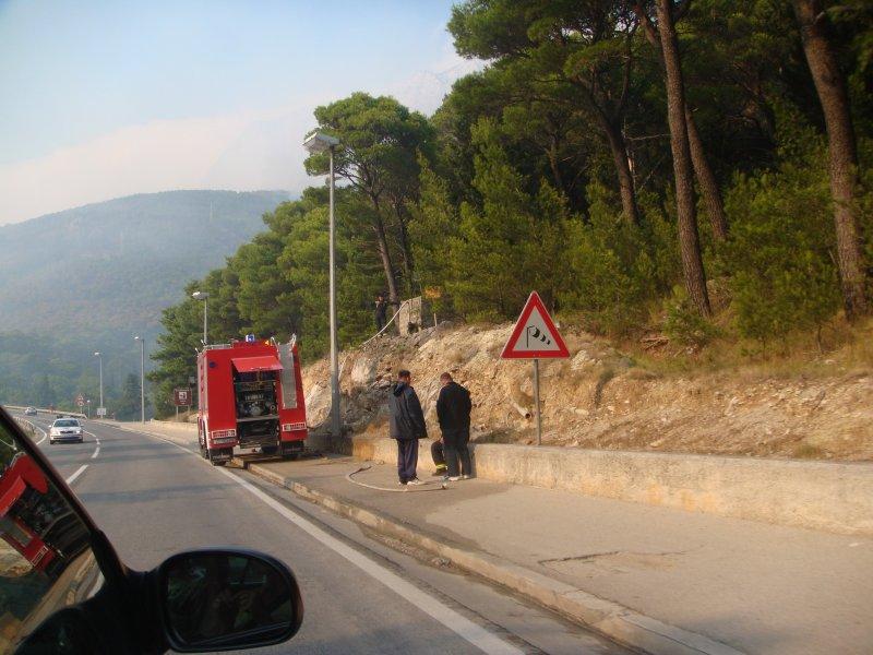 Požár Makarska - dopravní vedení do kopců